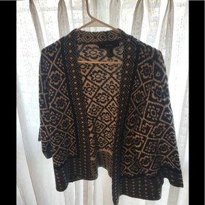 Warm and cozy patterned cardigan